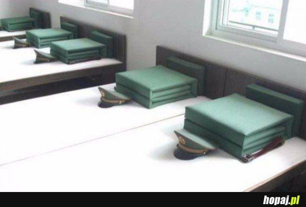 Łóżka w chińskich koszarach