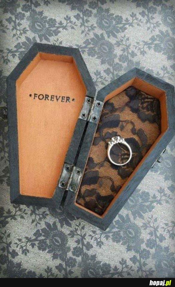 Pudełko na pierścionek