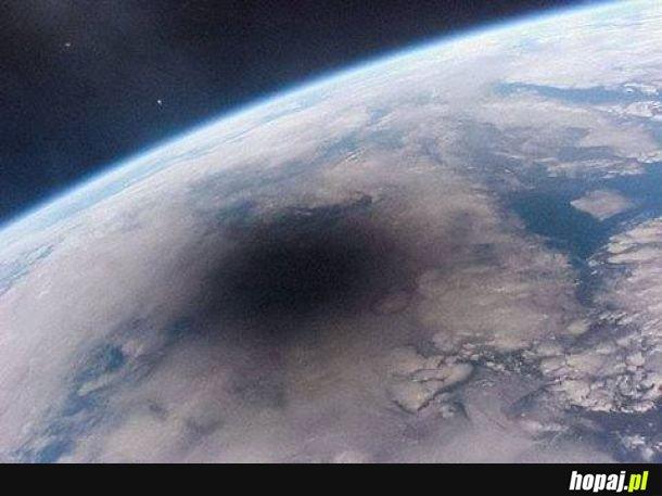 Zaćmienie Słońca w 1999 roku, widziane z pokładu stacji Mir