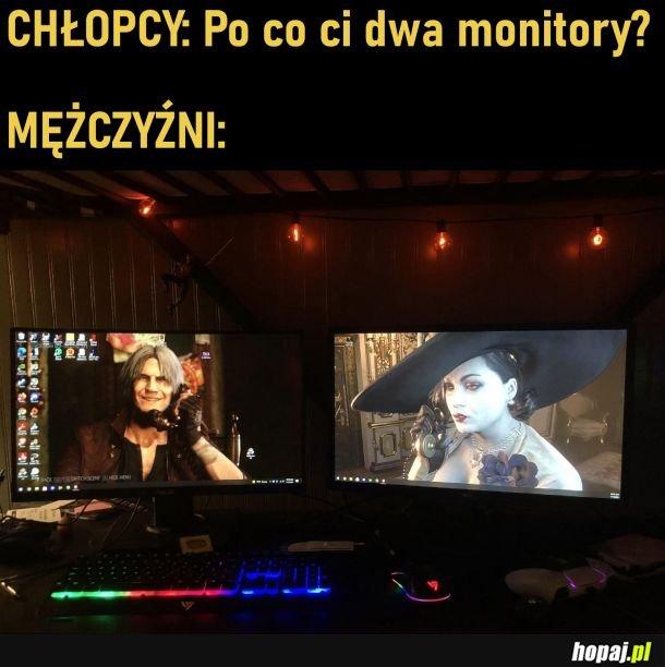 Dwa monitory