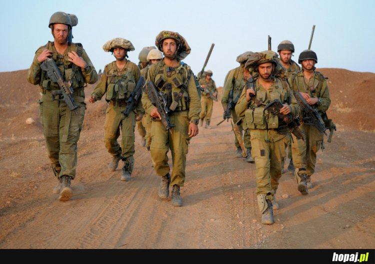 W Polskiej Armii będzie lepiej Dadzą mieszkanie nie trzeba pracować i terrorystów nie ma
