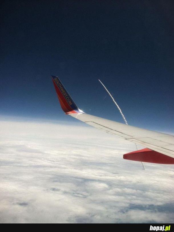 Lot promu kosmicznego widziany z pokładu samolotu ;-)