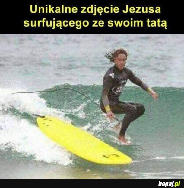 Jesus Surfingus